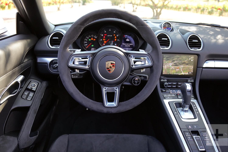 2018-porsche-718-gts-review-steering-wheel-1500x1000.jpg