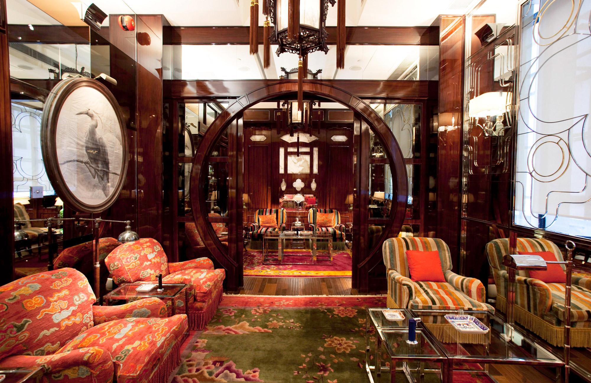 Red_Chamber_Cigar_Divan_Hong_Kong.jpg